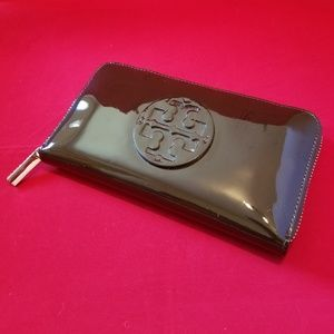 Tory Burch Continental patent  leather wallet